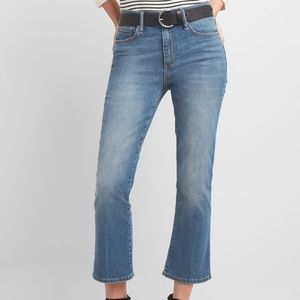 Gap | Ankle Crop Curvy Flare Jeans B1